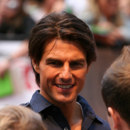What did Tom Cruise train to be before he became an actor?
