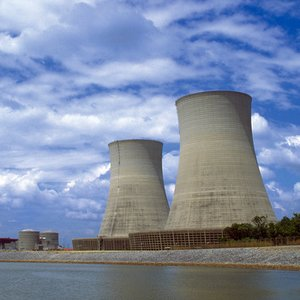 Which major European country has no nuclear power plants?