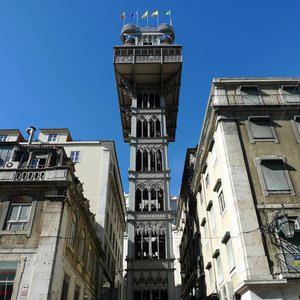 This tower is one of the most famous tourist attractions of Lisbon. What was it used for?