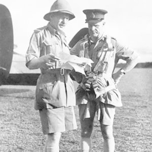 Which army formation still use Bermuda shorts?