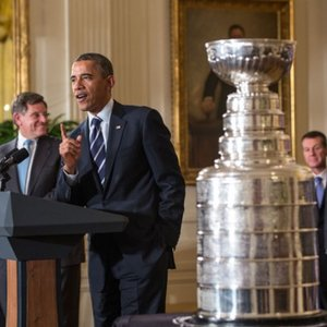 In which sport is the Stanley Cup awarded?