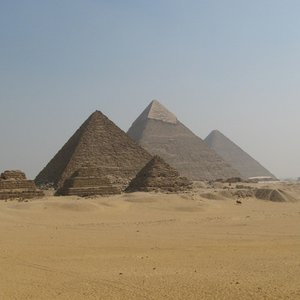 For whom were the pyramids in Giza built?