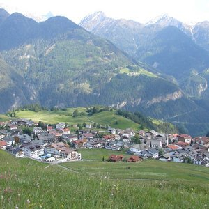 What is Serfaus known for?