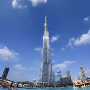 Which company built Burj Khalifa in Dubai?