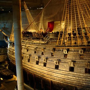 Vasa, a beautiful Swedish galleon, is exposed in one of Stockholm museums. What was her fate?